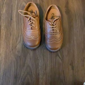 Other - Like New Toddler Boys Size 9 Buster Brown Shoes